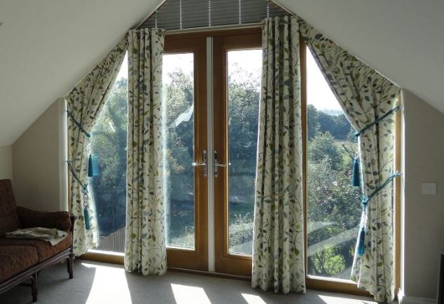Eyelet curtains Image